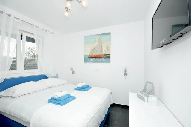 Apartment Pool Trogir_13