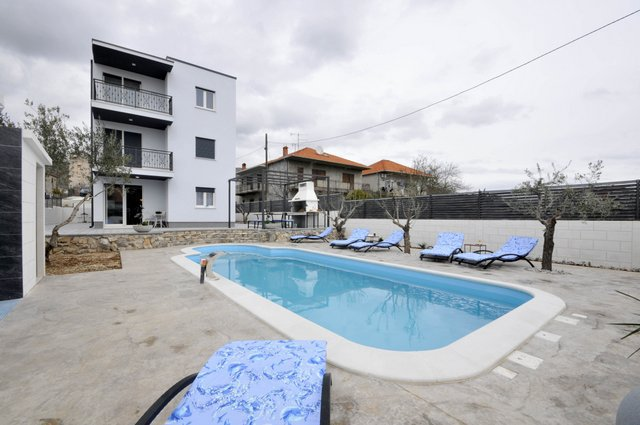 Apartment Pool Trogir_2