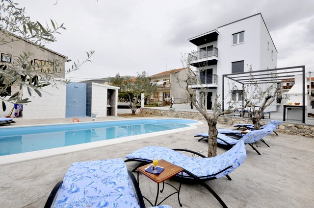 Apartment Pool Trogir_1