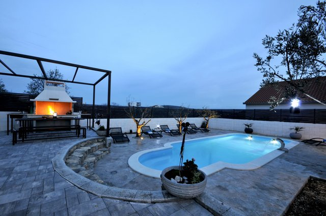Apartment Pool Trogir_25