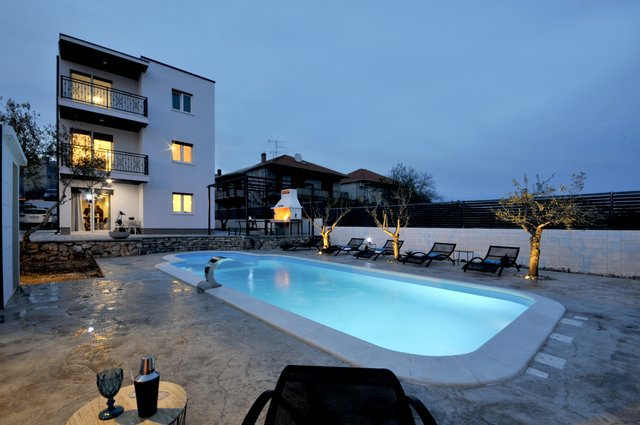 Apartment Pool Trogir_24